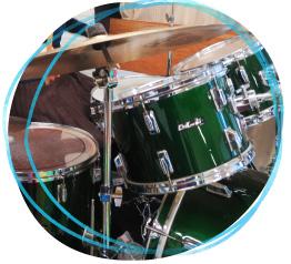 緑のドラムの画像